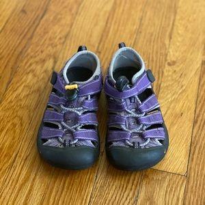 Keen girls purple sandals US 11/EU 29
